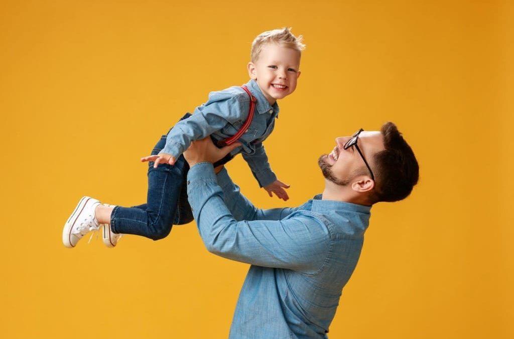 Как наладить отношения ребенка с отцом, после развода?